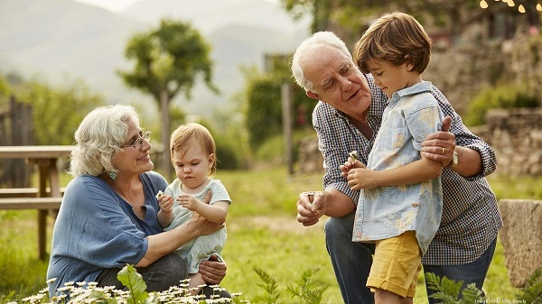 Giải pháp quản lý người già và trẻ em bằng thiết bị định vị cá nhân